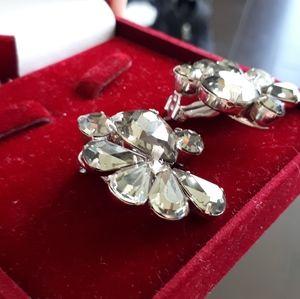 Vintage clip on earrings grey rhinestones
